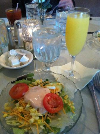 Marinette, Wisconsin: Mother's Day Buffet