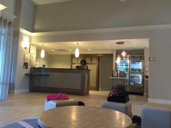 Homewood Suites by Hilton Charlotte Airport: Recepção do hotel