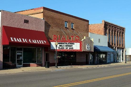 Morrilton, AR: Rialto Community Arts Center