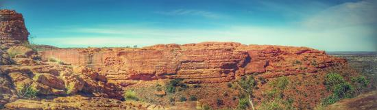 Kings Canyon: Looking across the top of the Canyon