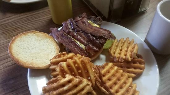 Spink Cafe: Bacon Cheeseburger
