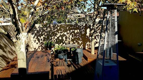 Jezebelle : courtyard - great in the warmer weather