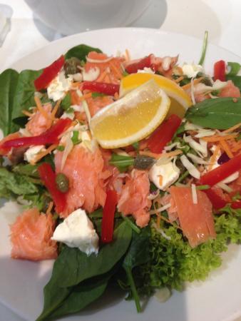 The Cider House Cafe & Bar: Salmon salad