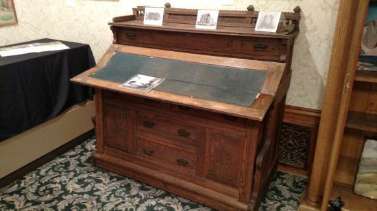 Laramie Plains Museum : Desk