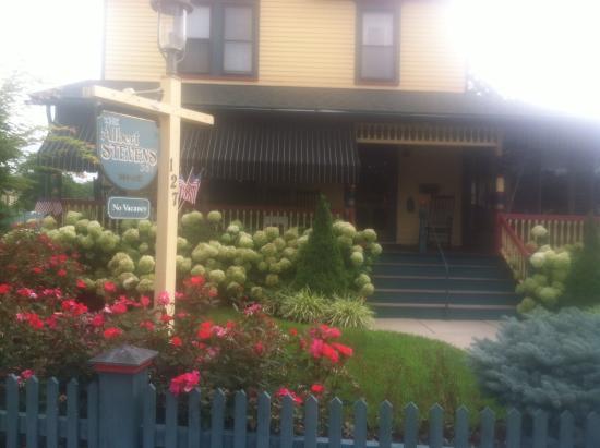 Albert Stevens Inn: Front of the Inn