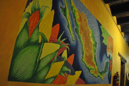 Rossco Backpackers Hostel: art
