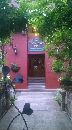 Excelsior Inn: Entry to Inn