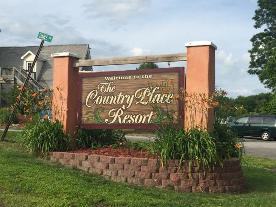 The Country Place Resort at Zoom Flume Water Park: Pics from all around the resort