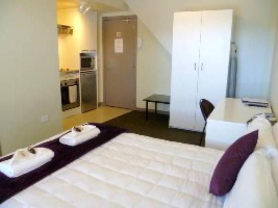 Southern Cross Serviced Apartments: Double Studio