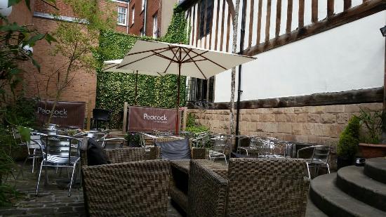 Peacock Coffee Lounge: Rear courtyard