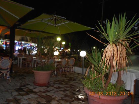 L'olivier Restaurant - Pizzeria : de nuit c'est superbe