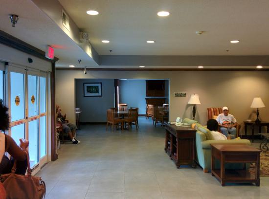 Country Inn & Suites By Carlson, Hiram: new lobby/kitchen renovation