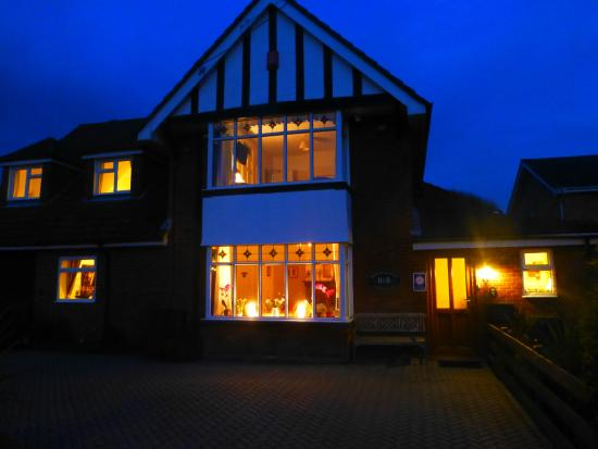 Beech Lodge Bed and Breakfast: Beech Lodge Evening