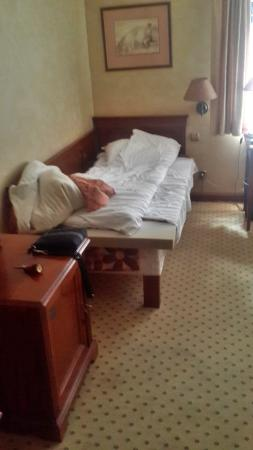 Opera Hotel : The other bed, the only that was arranged