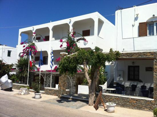 Benakis Hotel