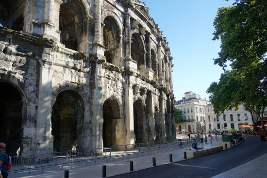 Hôtel César : Nimes' Roman Amphitheater - Near Hotel