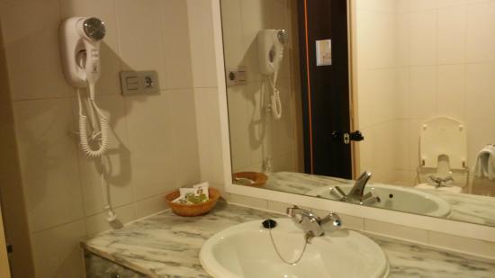 Hotel Santa Cecilia: Baño