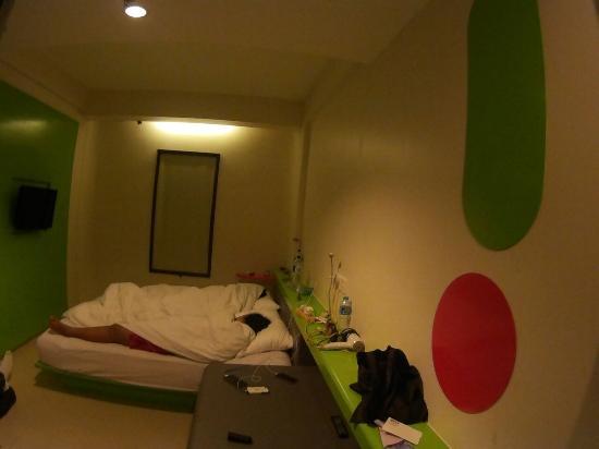 POP! Hotel Kuta Beach: Kamar nyaman dan cukup untuk 3 orang