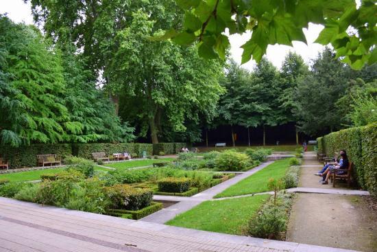 Jardin yitzhak rabin parc de bercy parc de bercy paris resmi tripadvisor for Jardin yitzhak rabin