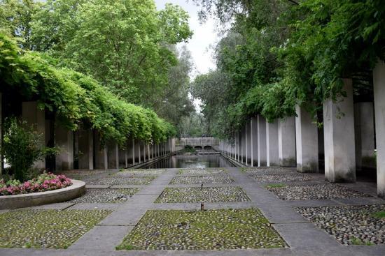 Jardin yitzhak rabin parc de bercy parc de bercy paris for Jardin yitzhak rabin