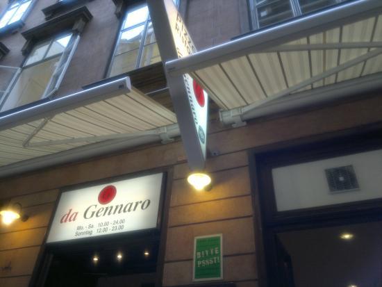 da Gennaro: приветливый официант