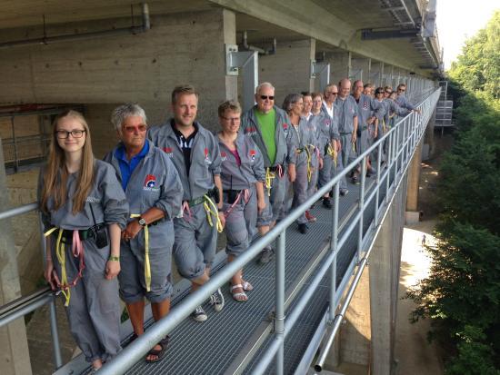 Bridgewalking Lillebælt: Bridgewalking - looking forward to the walk