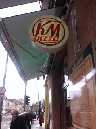 ‪KM Pizza‬