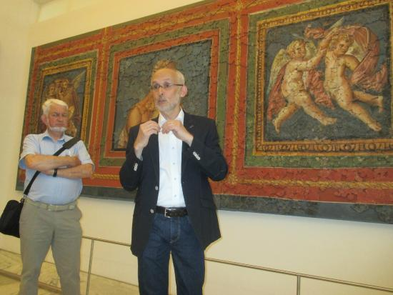 Museum am Dom: Dr Markus Gross-Morgen giving an explanation about the Roman frescoes, discovered in 1946,