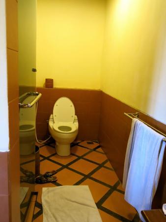 Clean & modern facilities