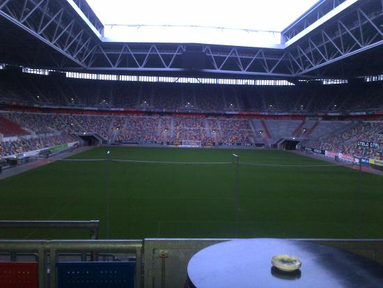 Tulip Inn Dusseldorf Arena: Here we are at the restaurant. We are in the stadium!!