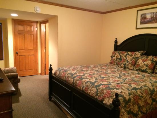 Bedroom #1 Mountain Village Inn Condominiums #126