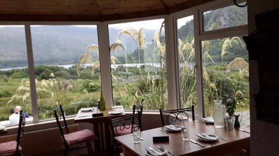 Josie's Lakeview House: Our table by the window at Josie's