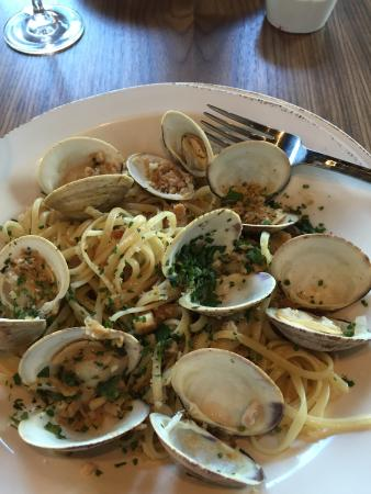Grappa Italian Nouveau: Linguine with clams