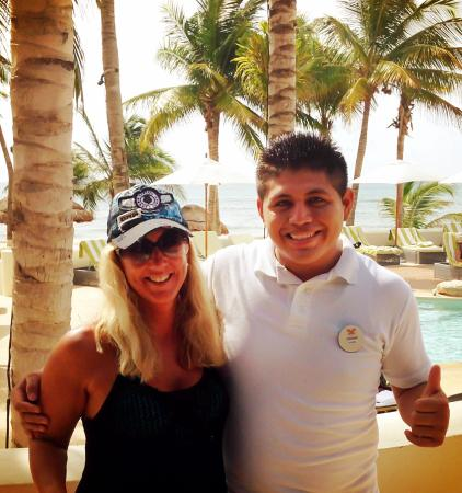 Mahekal Beach Resort: Photo with Angel Gabriel...we miss him already.