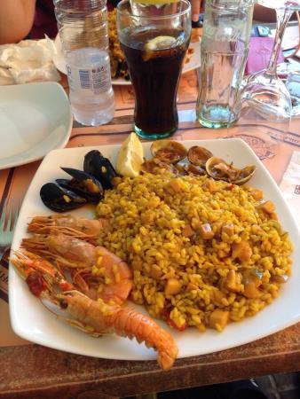 Restaurante El Abuelo: Paella et tapas moules