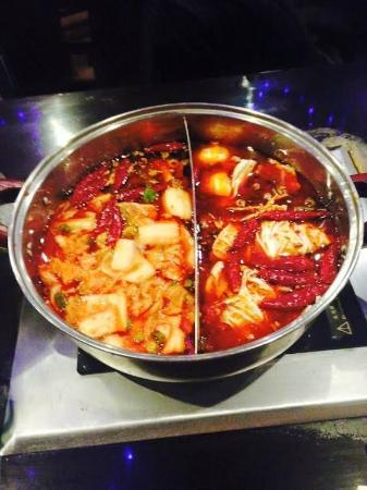 ‪Hou Yi Hot Pot‬