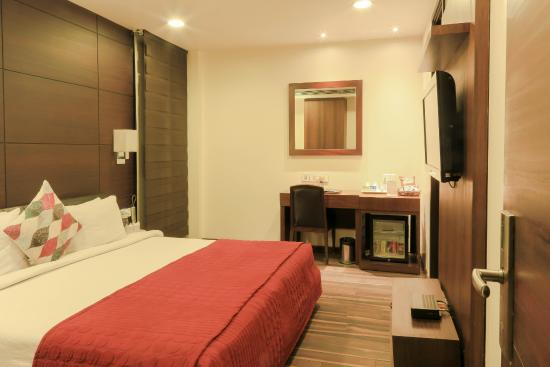 The Nanee Suites: LUXURY ROOM