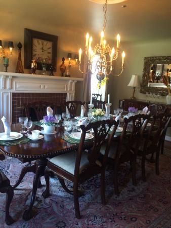 English Bay Inn: Dining room