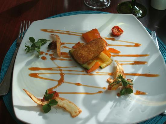 Monneaux Restaurant: deep fried butternut with roasted garlic, tomatoes & rooibos tea reduction