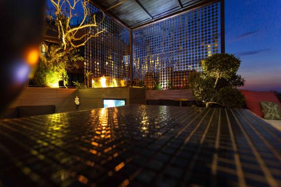 UNA Hotel One: 60 Sky Roof