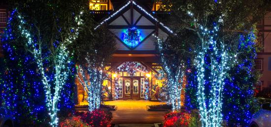 The Inn at Christmas Place: Winterfest Lights