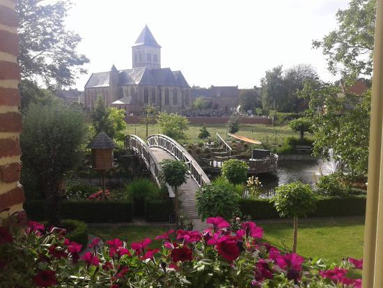 De Rentmeestershoeve : room with a view!!! uitzicht op de prachtig tuin met veel waterpartijen en verborgen terrasjes