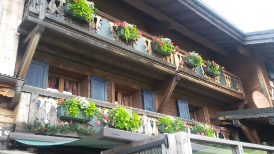 Chalet la Croix Blanche Hotel : hôtel chambres avec balcon