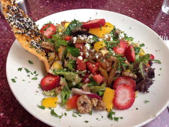 Nexxt Cafe : Huge salads