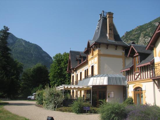 Le Manoir d'Agnes: op de voorgrond het restaurant