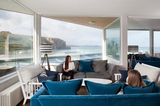 Merveilleux The Living Space: Living Space, Watergate Bay