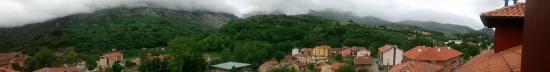 Hotel Naranjo de Bulnes: Vistas panorámicas desde la habitación