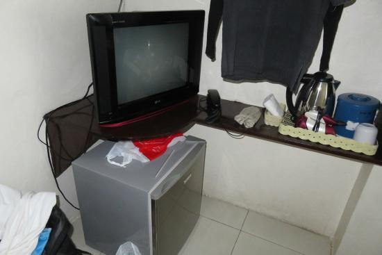 A-One Inn: Frigidaire & télévision