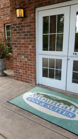 Mountain Inn & Suites Airport: seemed private, perfect for a little r&r