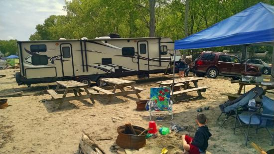 Sara's Campground: No limit to the size of camper on the beach